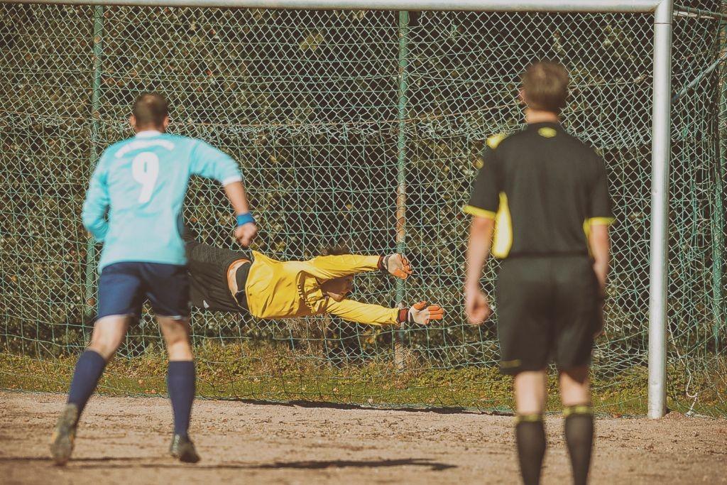 SPORT: FB Kreisliga A Linderhausen gegen Voerde, an den Tannen